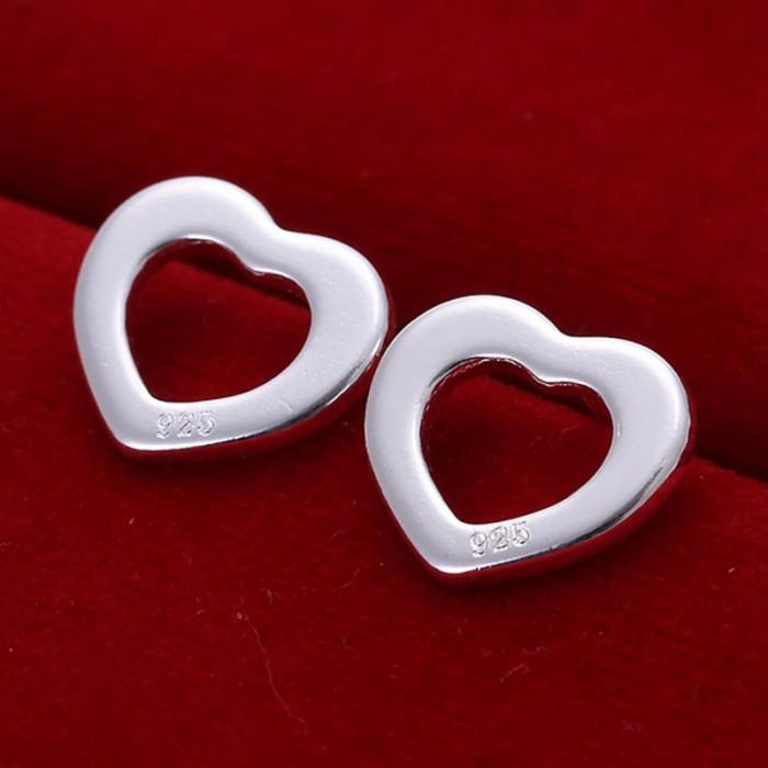 SE109 Silver Jewelry Heart Stud Earrings For Women